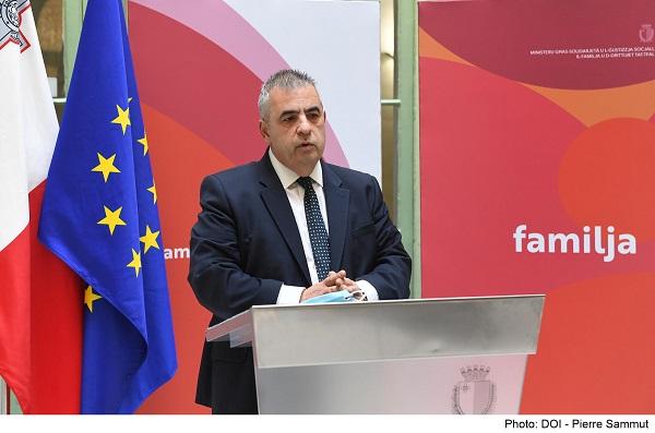 Aktar pagamenti b'rati mtejba għall-anzjani